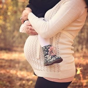 🌈Gorgeous maternity sweater🌈